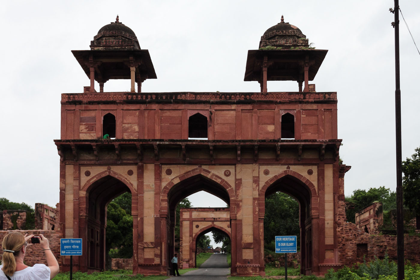 Фото 4. Ворота в Фатехпур Сикри. Отчет о поездке из Джайпура в Агру. Экскурсии по Золотому треугольнику Индии.