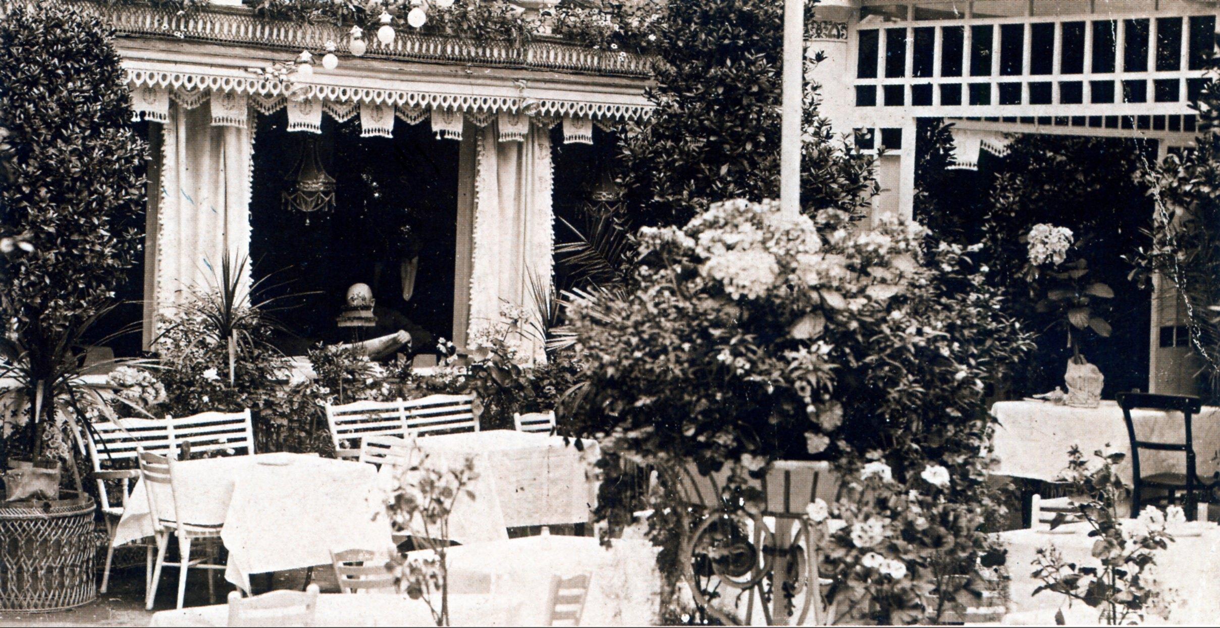 1914. Воздвиженка. Двор ресторана «Новый Петергоф»