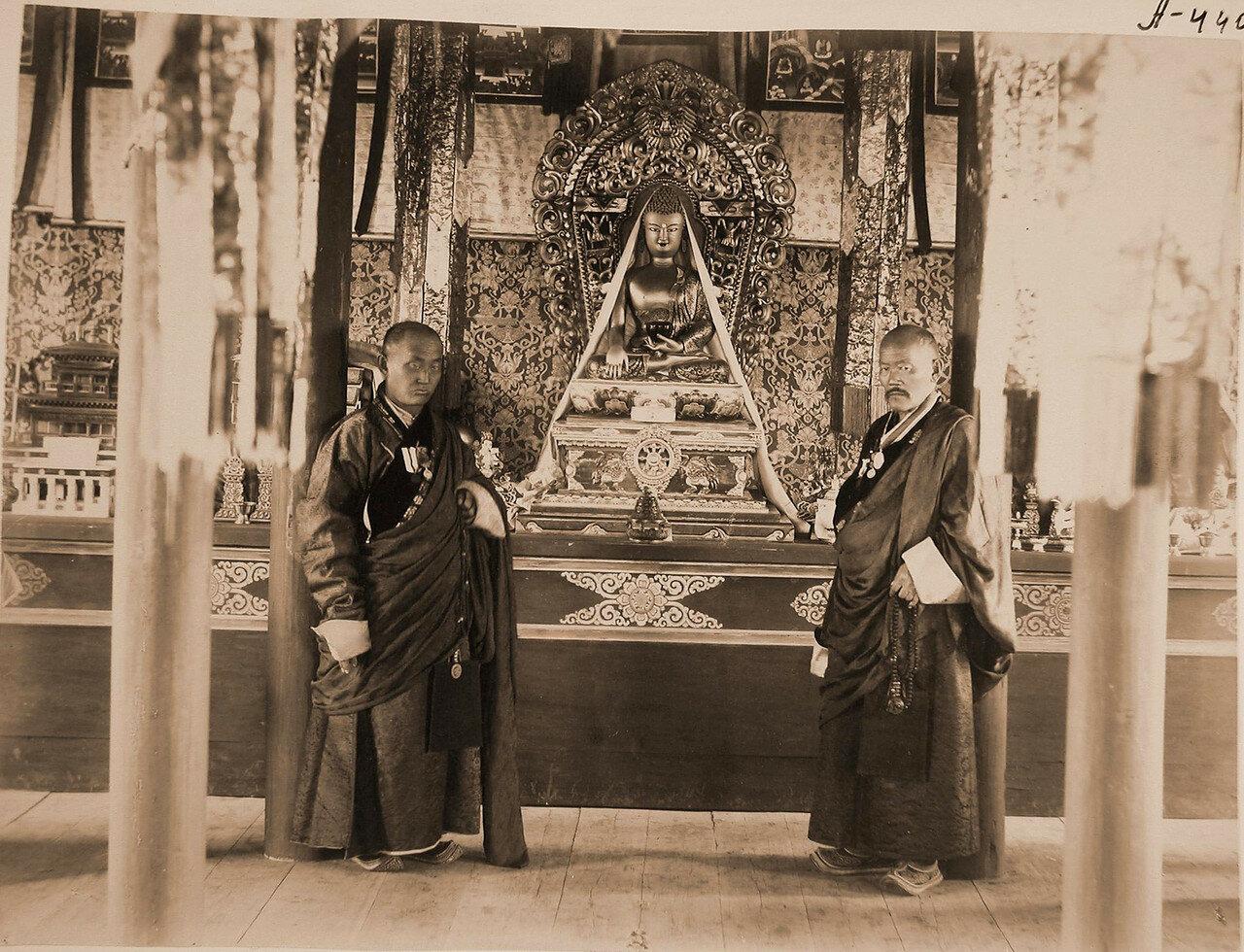 95. Ламы внутри дацана