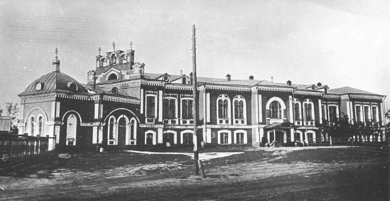 15. Городская больница с Пантелеймоновской церковью, в дальнейшем казармы гарнизона