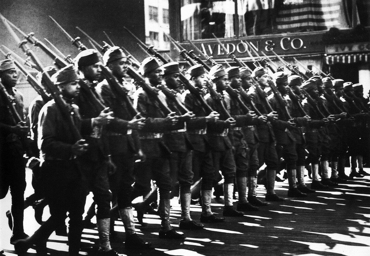 1918. 23 марта. Негры в составе 367 пехотного полка, Нью-Йорк
