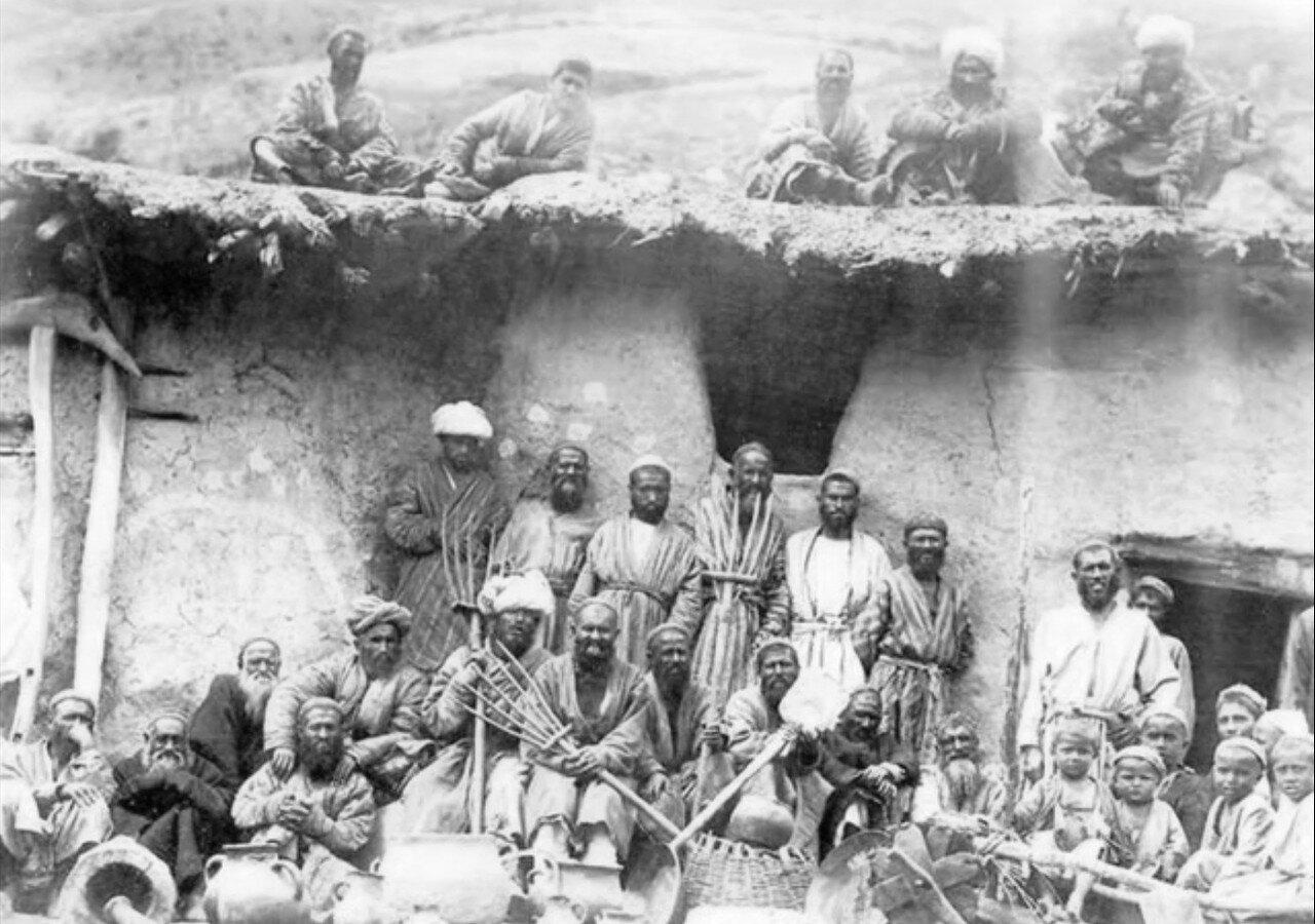 Группа крестьян из окрестностей Самарканда