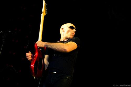 Джо Сатриани в клубе Б-1 Максимум. Фотограф Алексей Кулон ©2008