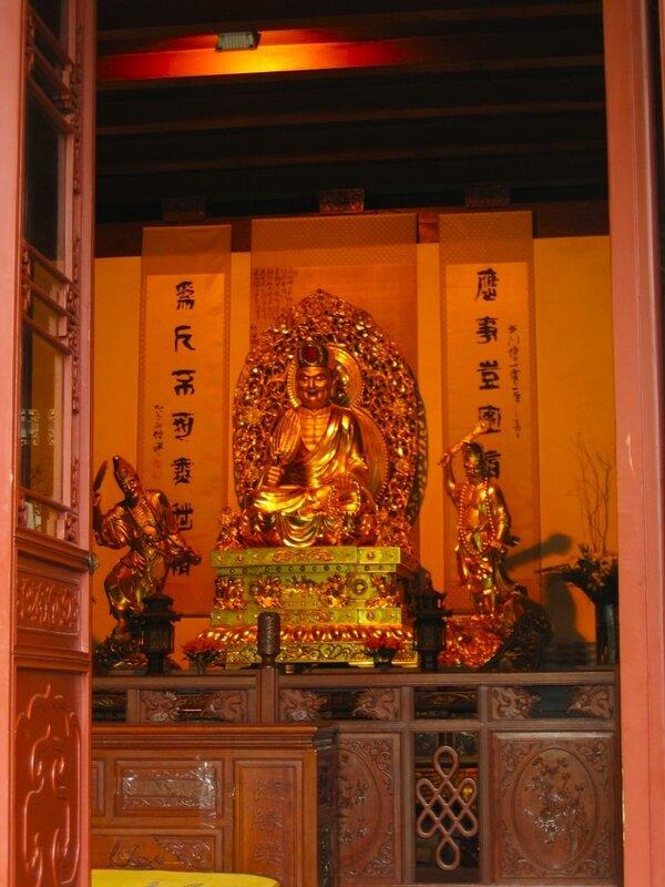 В павильоне учителя Даоцзи, Монастырь Линъиньсы, Ханчжоу