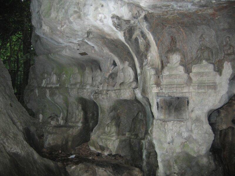 Пещера, Скала Фэйлайфэн, монастырь Линъиньсы, Ханчжоу