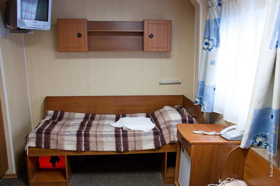 Двухместная каюта со всеми удобствами №203 на главной палубе теплохода «Н.А.Некрасов»