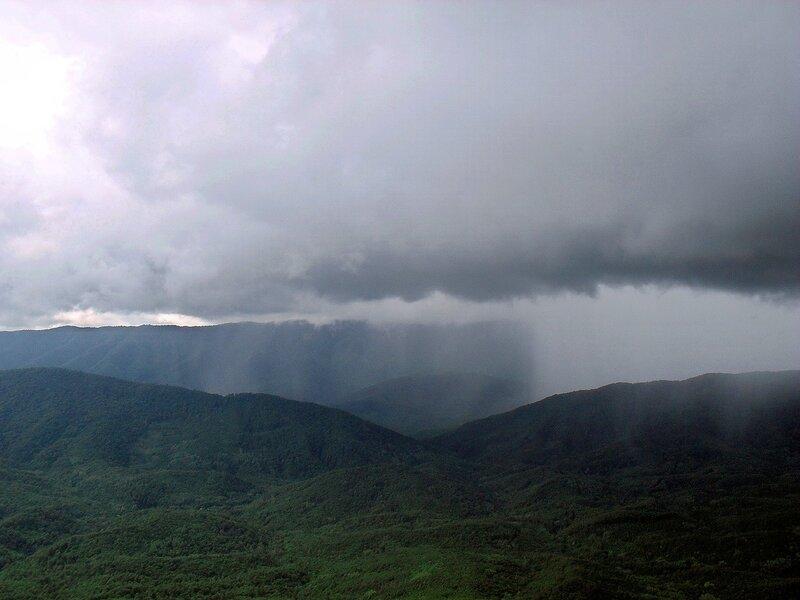 Тучи в горах