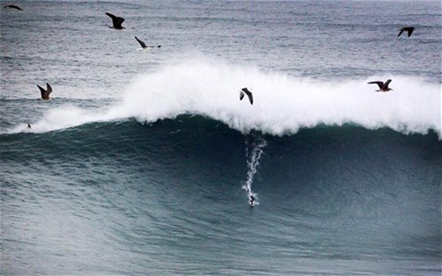 Бразильский серфер установил рекорд благодаря Святому Иуде