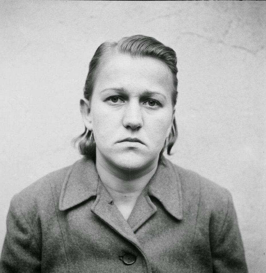 Хильде Лизивиц (Hilde Lisiewitz) (1 год заключения)