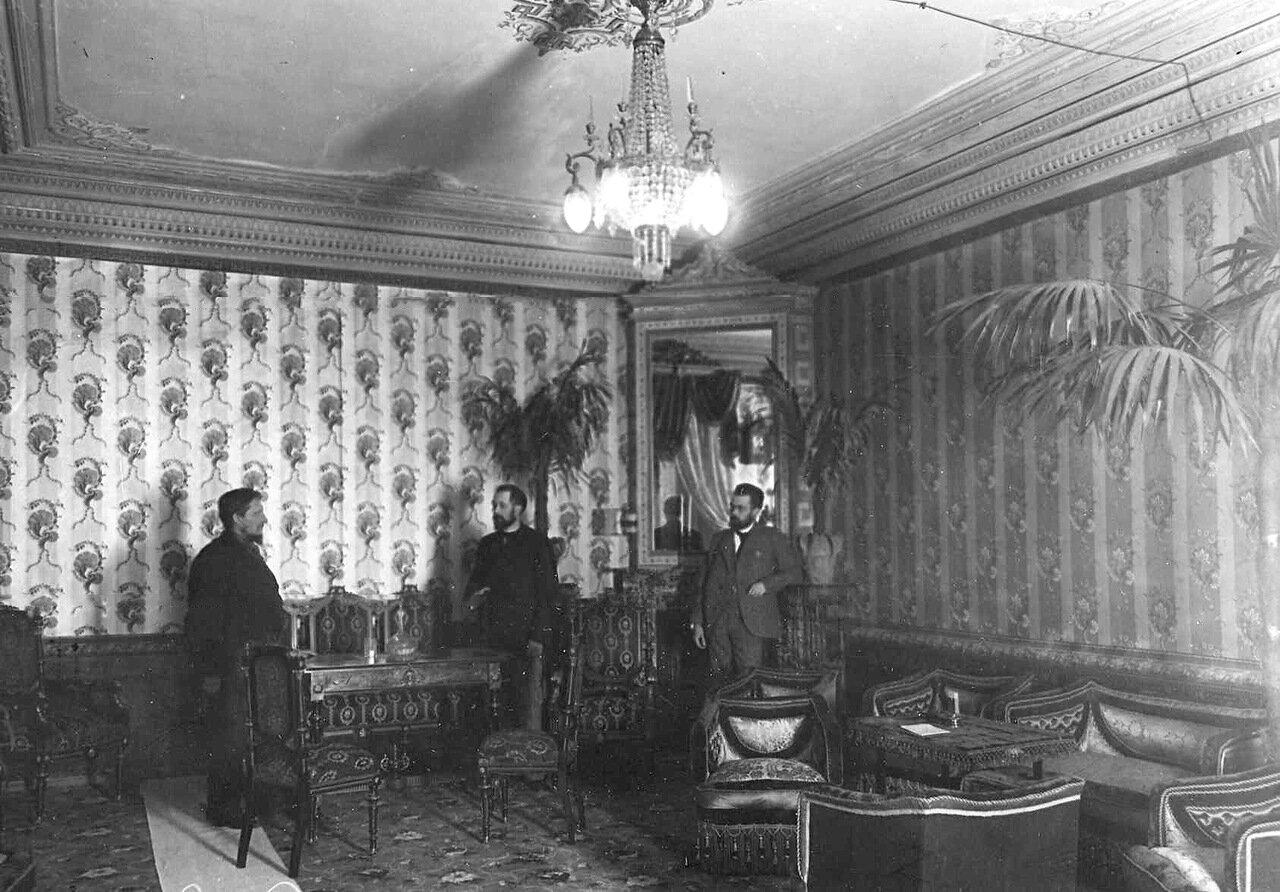 06. Комната с обслуживающим персоналом