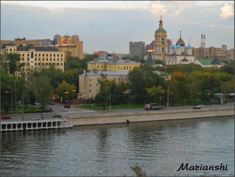 Вид на Ново-Спасский монастырь