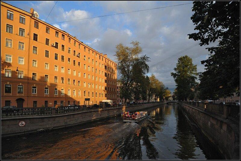 шариковый кораблик в канале Грибоедова
