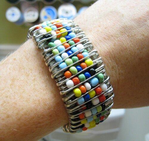 браслеты из бисера мастер класс - Лучшие схемы и описания для всех.