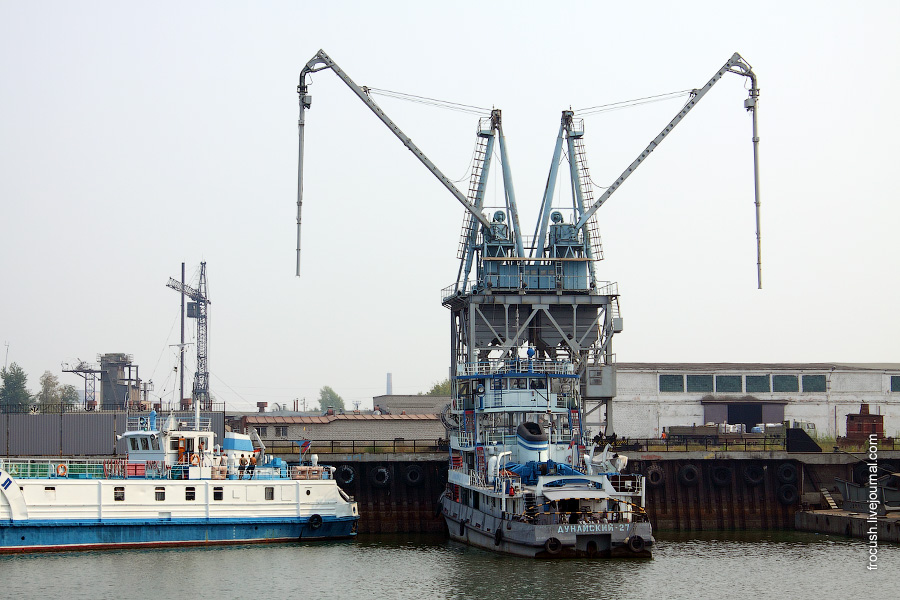 Зерноприемник в грузовом порту Казани