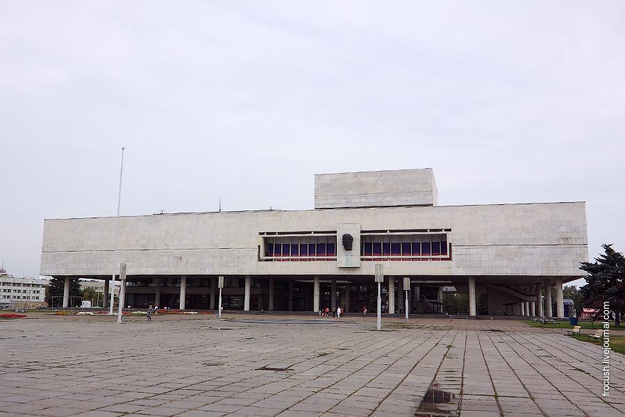 Площадь 100-летия со дня рождения В.И.Ленина, здание Ленинского мемориала