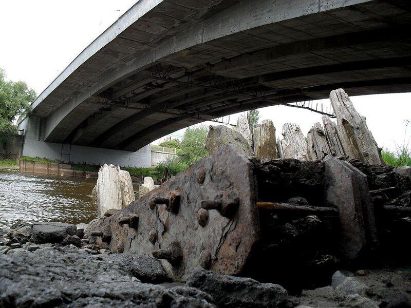 Под Юбилейным мостом