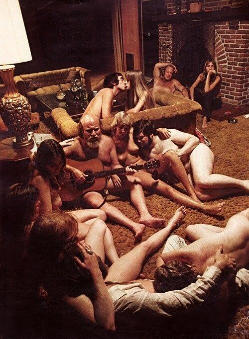 Нудисты 60-70-х. Набрела на блог с гейской тематикой,свистнула оттуда эти
