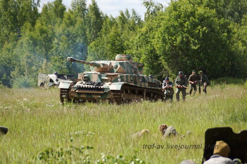 Немецкие танки наступают. 22 июня, реконструкция начала ВОВ в Кубинке (2 часть)