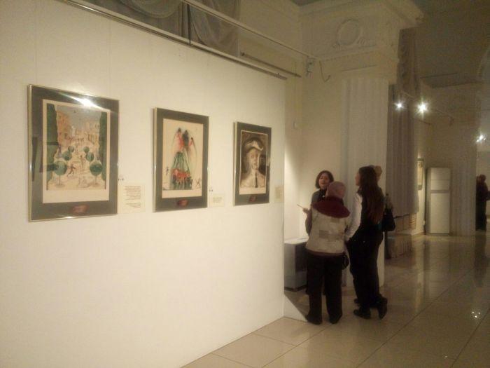 Немногочисленные посетители выставки