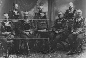 Группа капитанского состава бригады.
