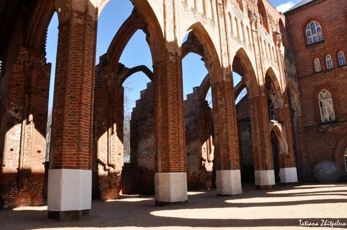 колонны центрального нефа