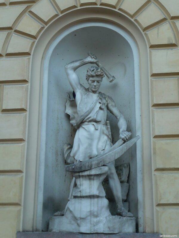 Герой финского эпоса - Илмаринен.