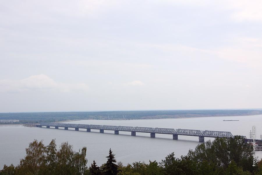Железнодорожный и автомобильный мост через Волгу. Дамба на левом берегу.