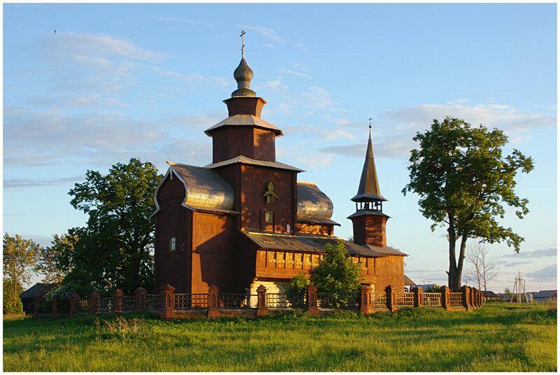 деревянная церковь в селе Богослов