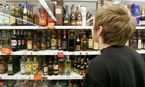 невзирая на запрет, алкоголь в Молдове продают и ночью