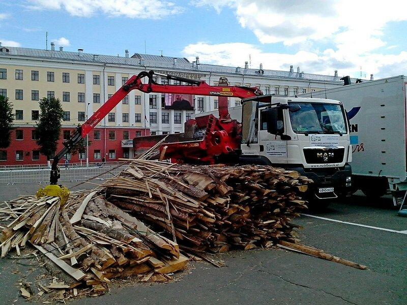 измельчитель древесных отходов на базе грузовика MAN