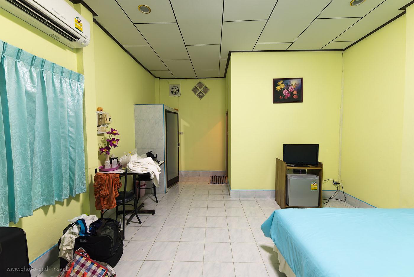Фото 22. Бюджетный отель в Таиланде. В течение всего путешествия мы жили в таких номерах. Цена 600-800 бат (100, 14, 8.0, 1.0 секунда, объектив Самъянг 14/2.8, зеркалка Никон Д610, штатив Sirui T-2204X)