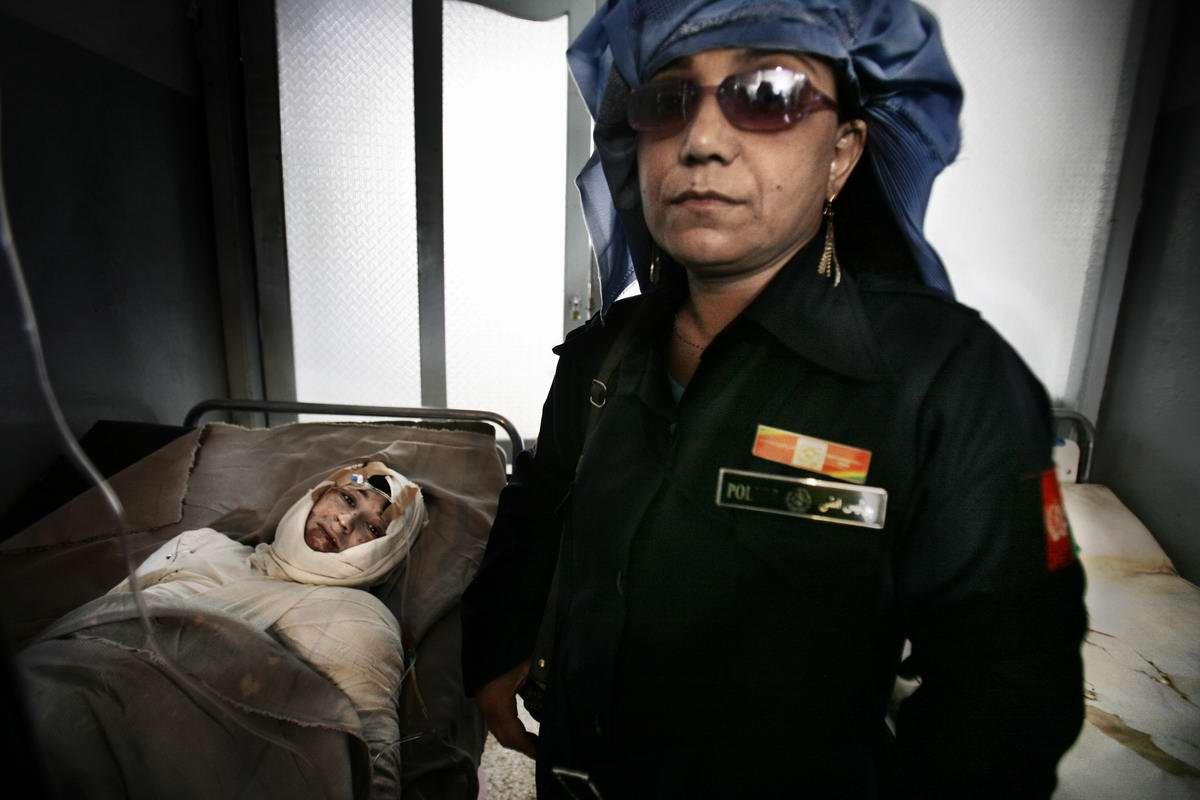 Афганские женщины из спецподразделений МВД Афганистана: картинки из жизни (28)