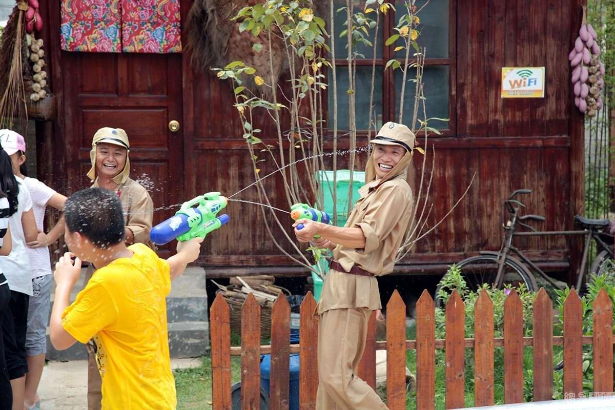 Крутые стрелялки: Китайский агротуризм с развлекательно-патриотическим уклоном (2)