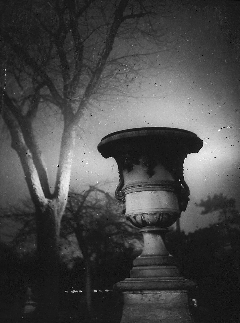 1931. Сад Тюильри ночью, Париж