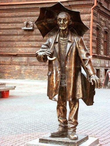 памятник живописцу Андрею Поздееву - Красноярск