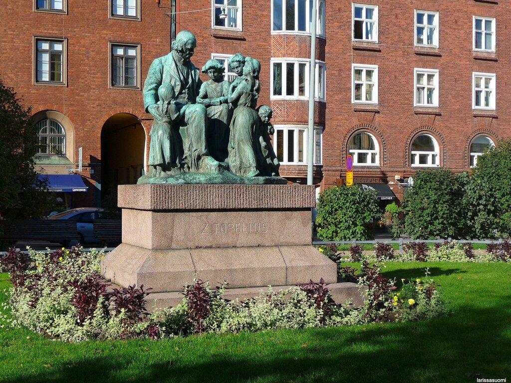 Памятник Топелиусу.
