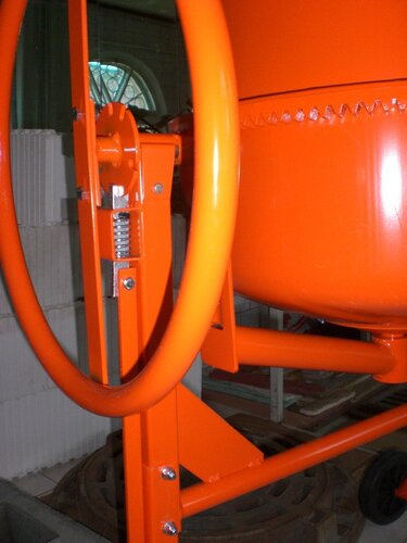 Пружина узла фиксации барабана бетономешалки МIX-130, ALTRAD Польша