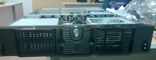 Сервер с крышечкой