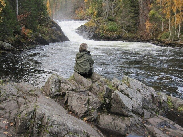 Куусамо Финляндия природа водопад скалы