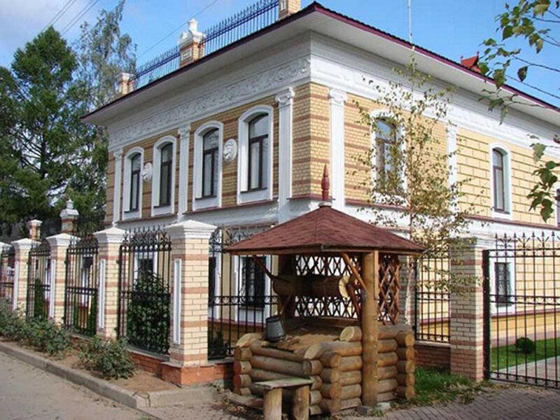 Купеческий дом в селе Вятское после реконструкции