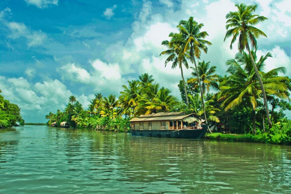 © Sarath Kuchi  ВКерале есть ибелоснежные пляжи уАравийского моря, иголубые горы слесами,