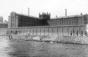 Здание конторы и корпус тюрьмы.