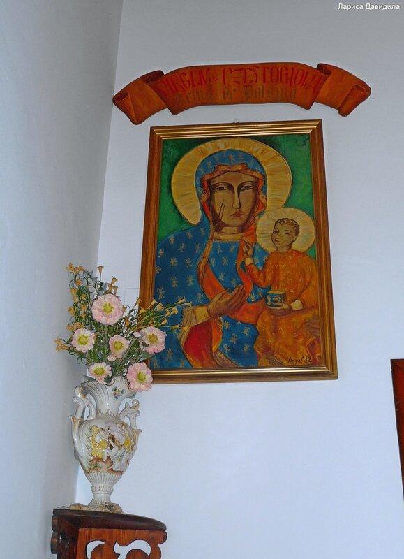 La Iglesia de Nuesra Senora del Carmen- (11)