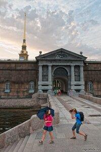 Вечерний сеанс фотосъемки (Петербург, Петропавловская крепость, фотограф, человек)