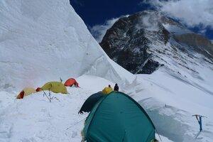 Лагерь 5800 под седловиной Хан-Тенгри