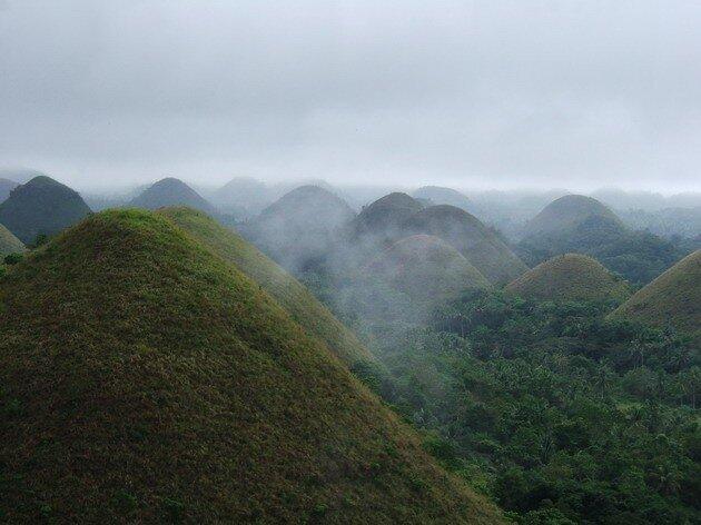 Шоколадные холмы (Chocolate Hills) на Филиппинах