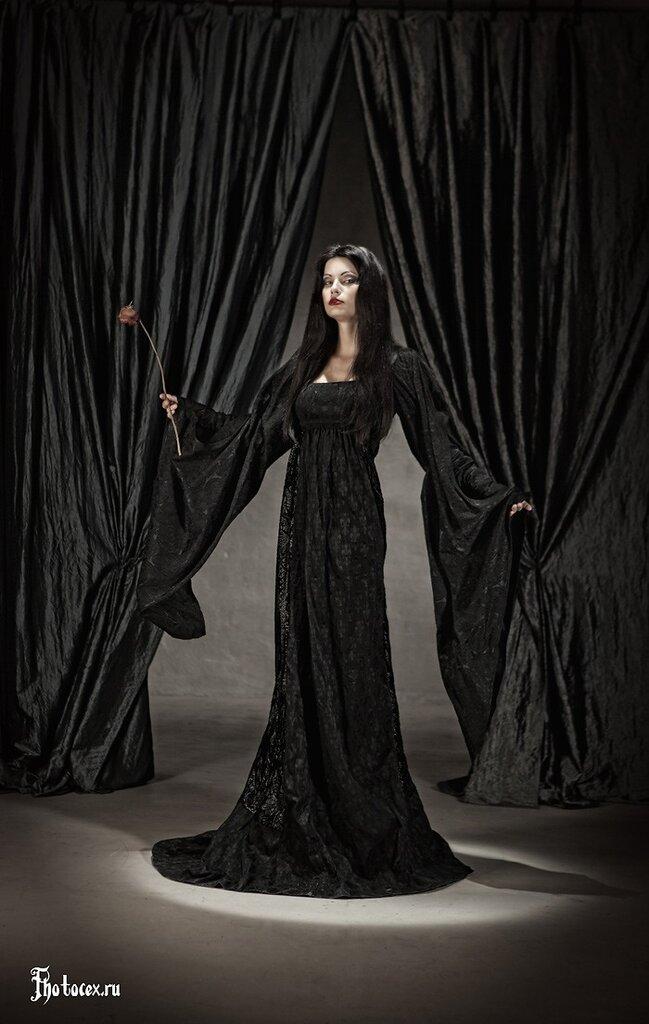 Addams-Morticia.jpg
