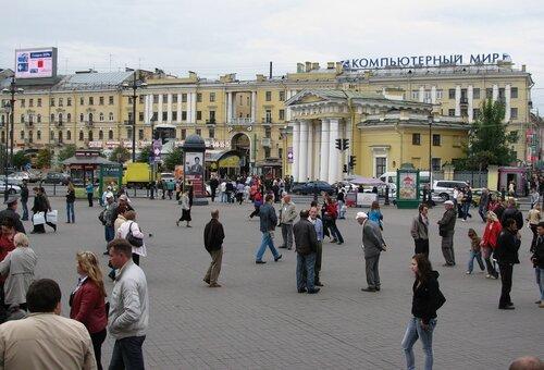 На Сенной площади