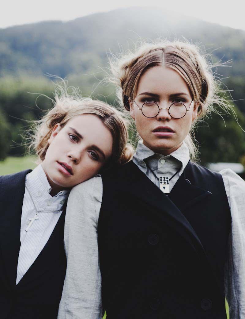 Elaina Musto и Emily Gillies, фотограф Zac Steinic