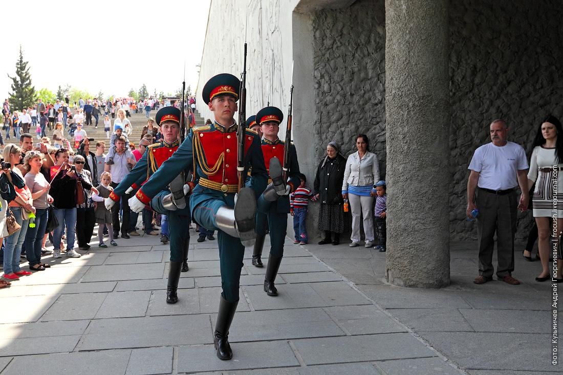 Мамаев курган Почетный караул День Победы